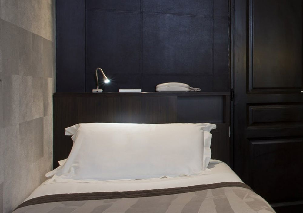 Hotel Paris Paix - Single Adjoining Room